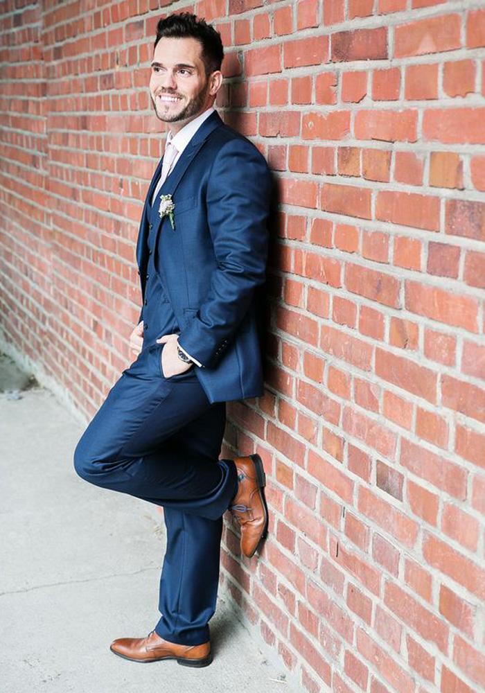 Blauer Anzug